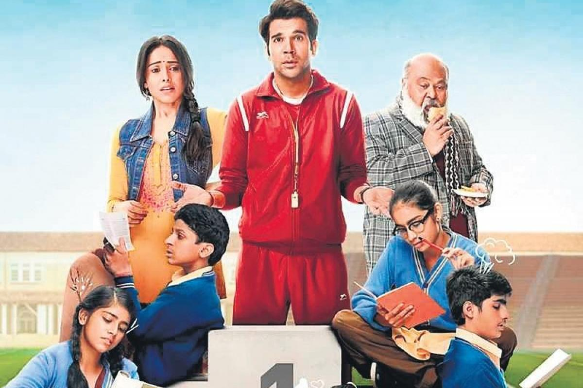 Rajkummar Rao as Manjit Singh aka Montu, Nushrat Bharucha as Neelu, Saurabh Shukla as Venkat Mehat aka Masterji, and Mohammed Zeeshan Ayyub as Akash